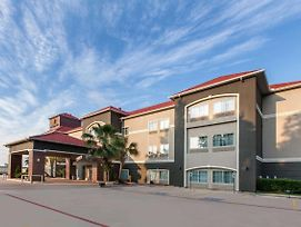 La Quinta Inn & Suites By Wyndham Houston New Caney photos Exterior