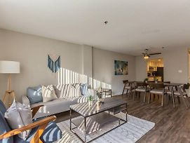 Spacious 2-Bedroom Flat Just Outside D.C. photos Exterior