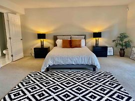 Luxury Bedroom With Renovated Walk In Shower In Ayrsley photos Exterior