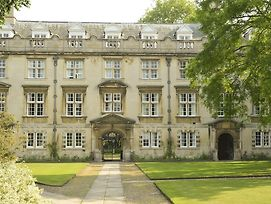 Christs College Cambridge photos Exterior