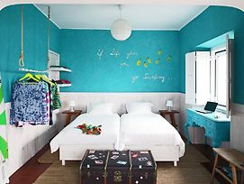 Chill In Ericeira Surf House photos Room