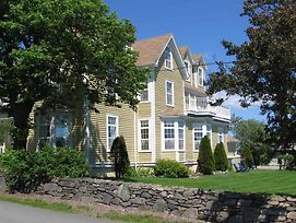 Louisbourg Harbour Inn photos Exterior
