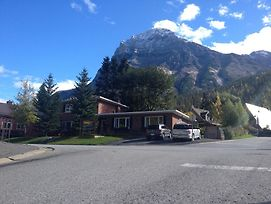 Canadian Rockies Inn - Adults Only photos Exterior