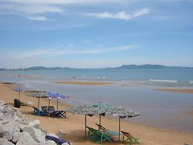 Lucky View Jomtien photos Exterior