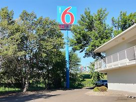 Motel 6 Bismarck photos Exterior