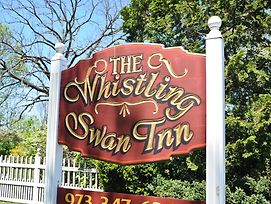 Whistling Swan Inn photos Exterior