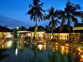 Dewi Sinta Hotel And Restaurant photos Exterior