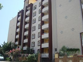 Golden Moon Apart Hotel photos Exterior
