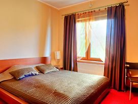 Villa Ventana Poznan City Free Parking photos Room