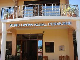 Sunflower Royal Pensionne photos Exterior