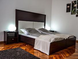 Modena Apartments photos Room