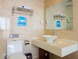 7Days Inn Qingdao Liuting Airport photos Room