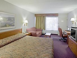 Americas Best Value Inn-Saginaw South photos Room