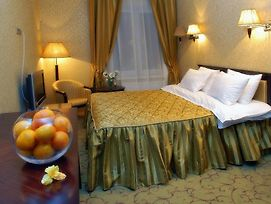 Royal Hotels And Spa Resorts In Truskavets photos Room
