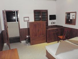 Tusker Towers photos Room