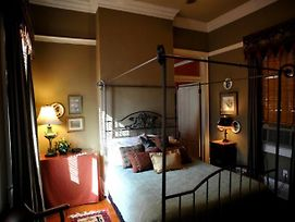 Five Continents Bed & Breakfast photos Room