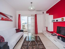 The Waves Apartment Marsaxlokk photos Room