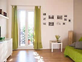 Welcome Friends photos Room