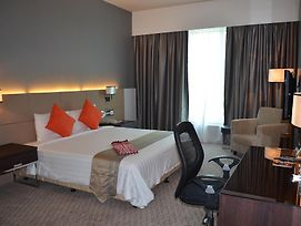 Th Hotel & Convention Centre Alor Setar photos Room