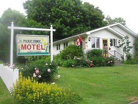 Picket Fence Motel photos Exterior