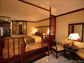 Treasure Harbour International Hotel photos Room