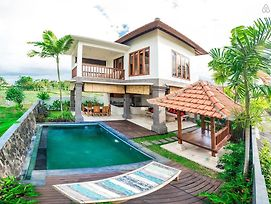 2 Bedroom Villa Julia Stunning With Padi Field View photos Room