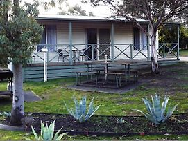 Stawell Park Caravan Park photos Room