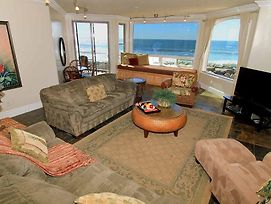 Beachfront Only Vacation Rentals photos Exterior