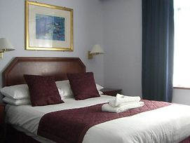 Kings Paget Hotel photos Room
