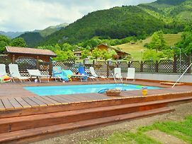 Holiday Home In Enguiso With Skiing Nearby photos Room