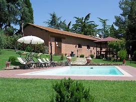Cozy 6 Person Holiday Home In Cortona With Private Swimming Pool photos Room