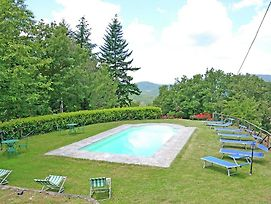 12 Person Holiday Home In Cortona With Private Swimming Pool photos Room