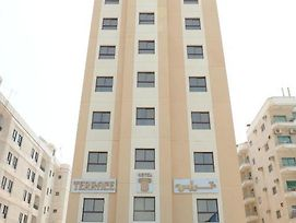 Terrace Furnished Apartments- Salmiya photos Exterior