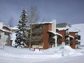 Crested Mountain North By Cb Lodging photos Exterior