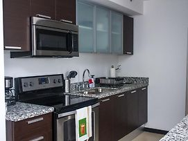 Luxurious Two Bedroom Apartment photos Room
