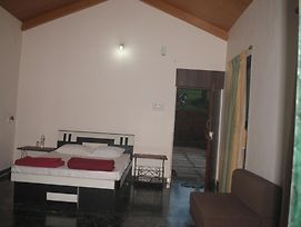 Exotic Home Stay, Panchgani photos Room