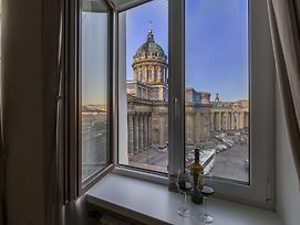 Peter The Great Apartments In Centre With View photos Room
