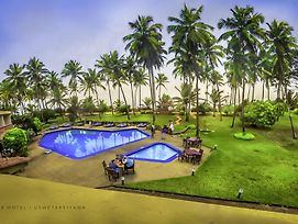 Palm Village photos Exterior