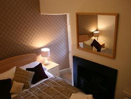 Royal Mile Budget Apartments photos Room