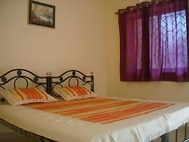 Shree Hari Guest House photos Room