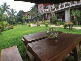 Lanta Intanin Resort photos Exterior