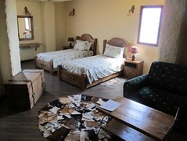 Arequ Guest House photos Room