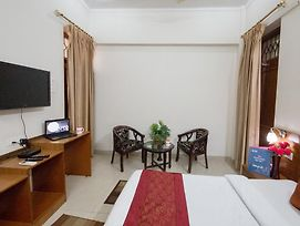 Oyo Rooms Lucknow City Mall photos Exterior