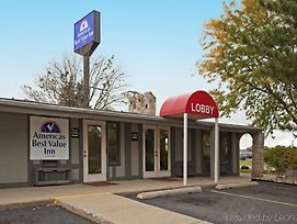 Americas Best Value Inn Lansing photos Exterior