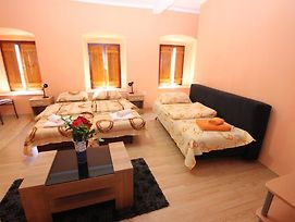 Apartment Stari Grad photos Room