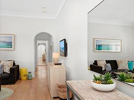 Beachside Bliss - A Bondi Beach Holiday Home photos Room
