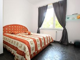 1827 Privatapartment Bothmer Fair photos Room