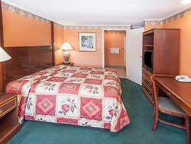 Knights Inn Michigan City photos Room