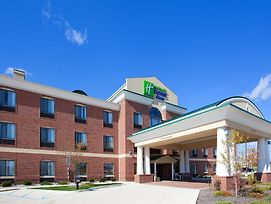 Holiday Inn Express & Suites Chesterfield photos Exterior