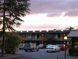 Red Cedars Motel photos Exterior